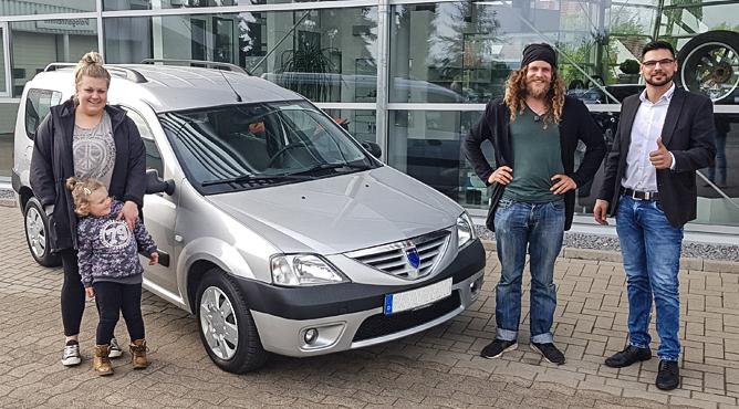 Familie Siebert - Dacia Logan - Gebrauchtwagen - Eine glückliche Familie!