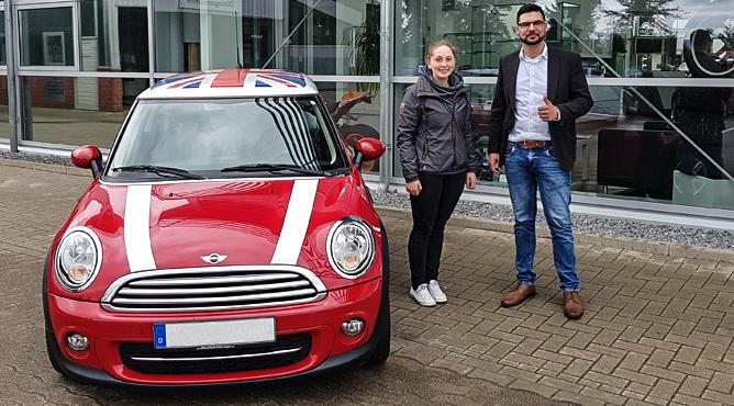 Frau Biermann - Mini Cooper - Gebrauchtwagen - Eine glückliche Kundin!